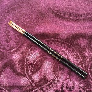 Set of 2 Sigma E06 Winged Liner Brushes NWOB